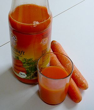 English: Bio carrot juice from Germany Françai...