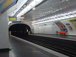 Blanche (Paris Métro) - Image: Blanche quais
