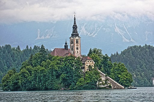Bled (SLO) - Insel im Bleder See mit Marienkirche (tone-mapping)