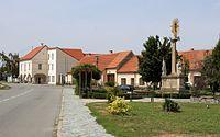 Blučina - náměstí Svobody.jpg