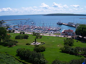 Chicago Yacht Club Race to Mackinac - 250 px