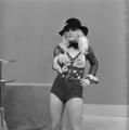 Bonnie St. Claire - TopPop 1974 11.png