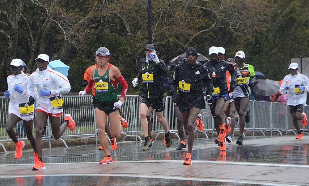 Lead men ear halfway point of Boston Marathon 2018