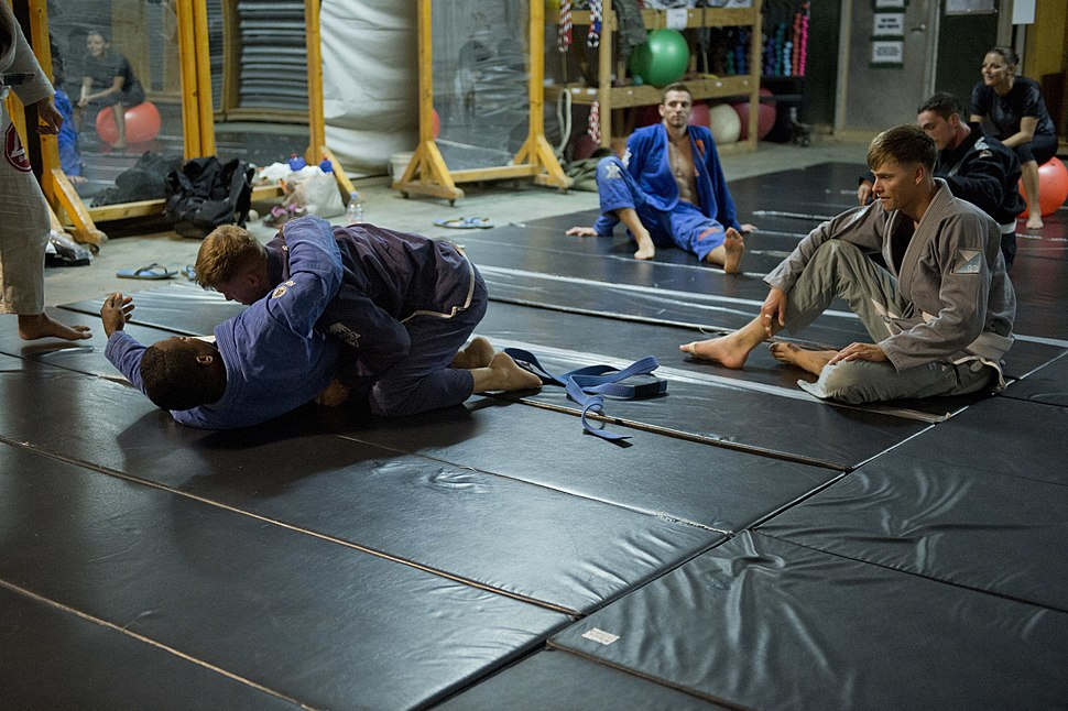 Brazilian Jiu-Jitsu strengthens camaraderie, build trust at Camp Lemonnier 140727-F-SJ695-033