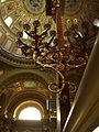 Budapešť, katedrála svatého Štěpána, svícen.JPG