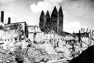 St. Mary's Church, Lübeck - Ruins of the merchants' quarter and St. Mary's church