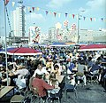Bundesarchiv Bild 183-M0801-403, Berlin, Freiluft-Gaststätte bei Weltfestspielen.jpg