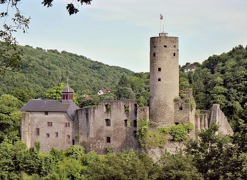 File:Burg Eppstein-JR-F-8-B-28a-2002-06-02.jpg