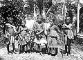 COLLECTIE TROPENMUSEUM Leerlingen van de school van het Leger des Heils te Kulawi Midden-Celebes TMnr 10002280.jpg