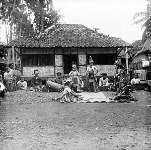 Sundanese dance - Sundanese dance performance in a village at Preanger (Priangan) region, circa early 20th century.