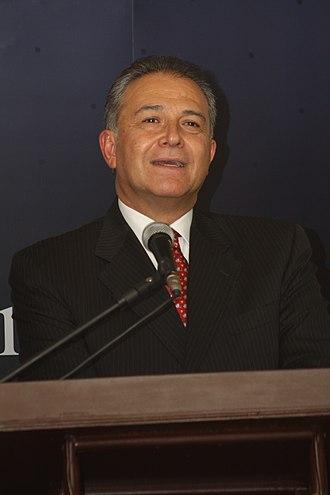 Vice President of Colombia - Image: CORAZON VERDE, HOMENAJE AL SENOR GR. (r) OSCAR NARANJO TRUJILLO (7476269546)