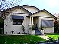 Californian bungalow in Tarcutta St, Wagga Wagga (1).jpg