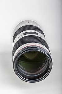 Canon Zoom-Lens EF 70-200 F2.8L IS II USM-02.jpg