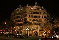 Casa Milà bei Nacht.JPG