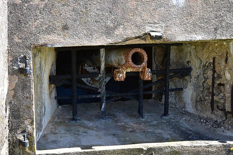 File:Casemates de Bourges - Fort de Vaux.jpg