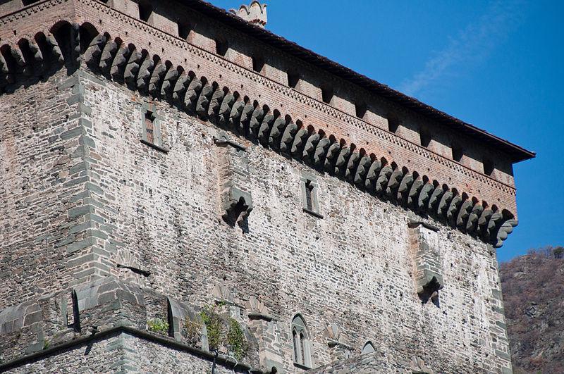 File:Castello di Verrès 05.jpg