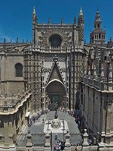 Catedral de Sevilla - Puerta de San Cristóbal o del Príncipe.jpg