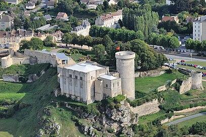 Chateau 19 09 2010- 1.JPG