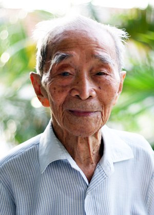Chau Sen Cocsal Chhum - Chhum (7 November 2004)