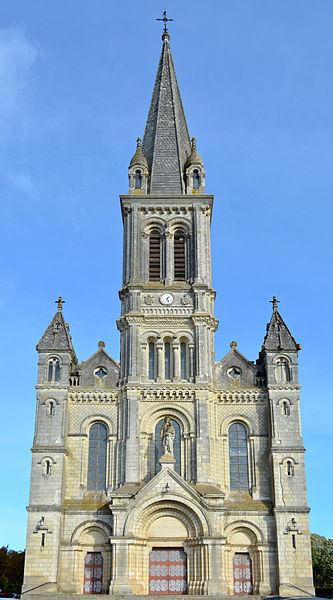 Notre-Dame la Neuve church, Chemillé, France