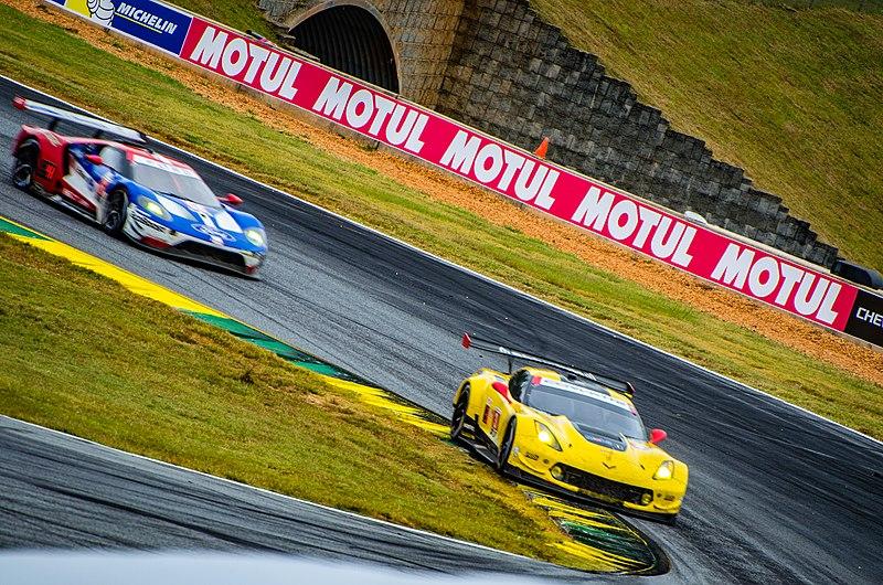 File:Chevrolet Corvette C7.R and Ford GT 2017 Petit Le Mans.jpg