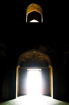 Chini-Ka-Rauza, Agra - Inside.jpg