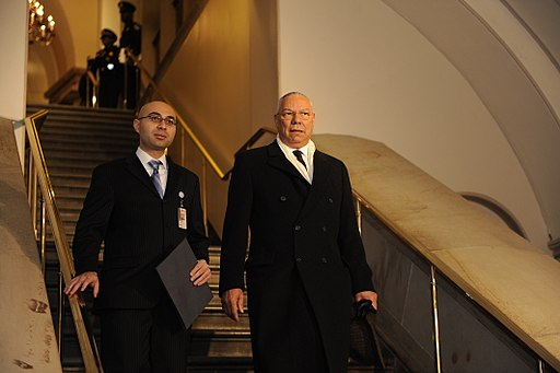 Colin Powell arrives for 2009 Obama inauguration