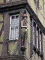 Colmar - statue d'homme barbu à l'angle de la maison Zum Kragen.jpg