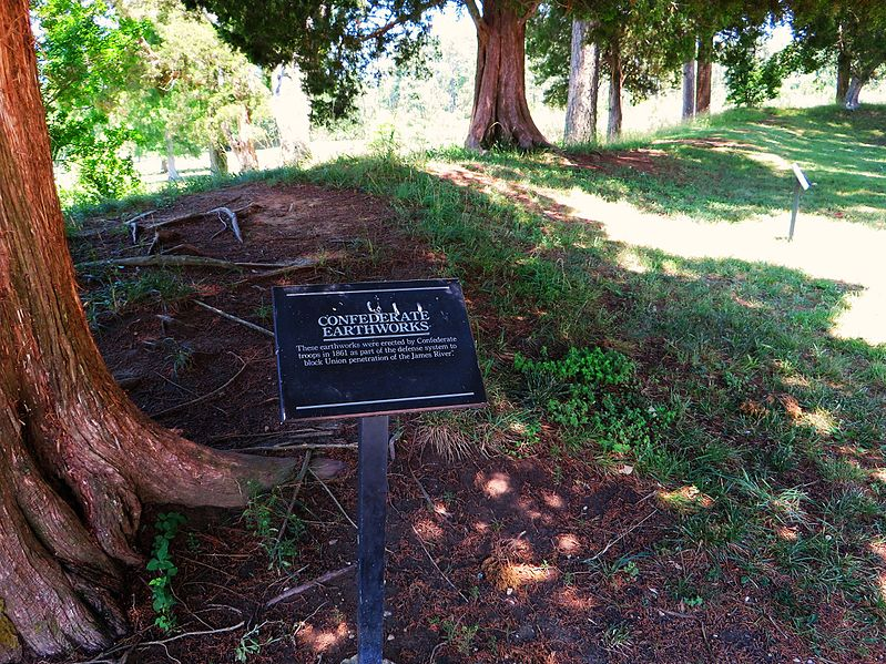 File:Confederate Earthworks, Historic Jamestowne, Colonial National Historical Park, Jamestown, Virginia (14422305291).jpg