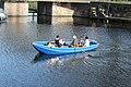 Coppelstock in een roeiboot 1 april feest Brielle.jpg