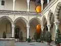 Cortile interno Museo archeologico nazionale tarquiniense 04.JPG