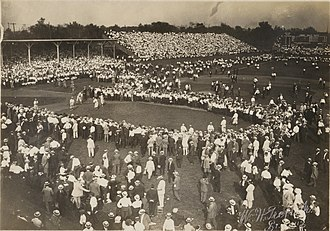 Robison Field - Crowd gathered around St. Louis Cardinals baseball players during the pre-game warm-ups at Robison Field, 1912