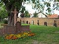 D-6-76-144-14 - Niedernberg, Hauptstraße 74, Friedhofsmauer.JPG