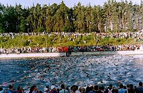 D-BY-RH-Roth - Ironman Europe 1990 - Schwimmstart 002.jpg