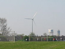 Dagenham turbine 1 and fords.jpg