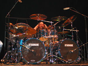 Danny Carey - Image: Danny Carey and his drum kit