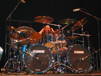 Danny Carey - Image: Danny Carey and his drum kit
