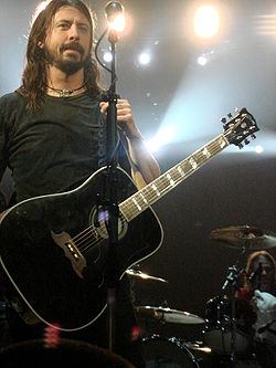 Dave Grohl 2008.jpg