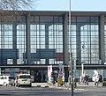 """Der 1955 eingeweihte Hauptbahnhof wird """"zu den schönsten, baulich interessantesten Neubauten der Deutschen Bundesbahn"""" gezählt. - panoramio.jpg"""