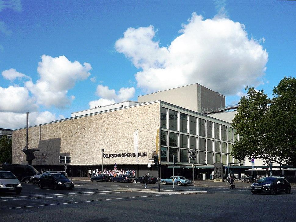 Deutsche Oper Berlin. Ansicht von Südosten