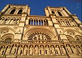 Devanture Notre-Dame de Paris.jpg