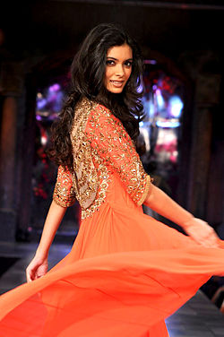 Diana Penty graces the 'Mijwan-Sonnets in Fabric' fashion show.jpg