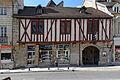 Dijon maison pan de bois 64 rue Monge .jpg