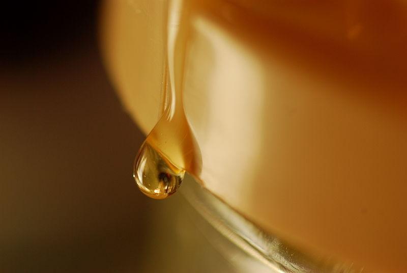 File:Drop of honey (2231021824).jpg