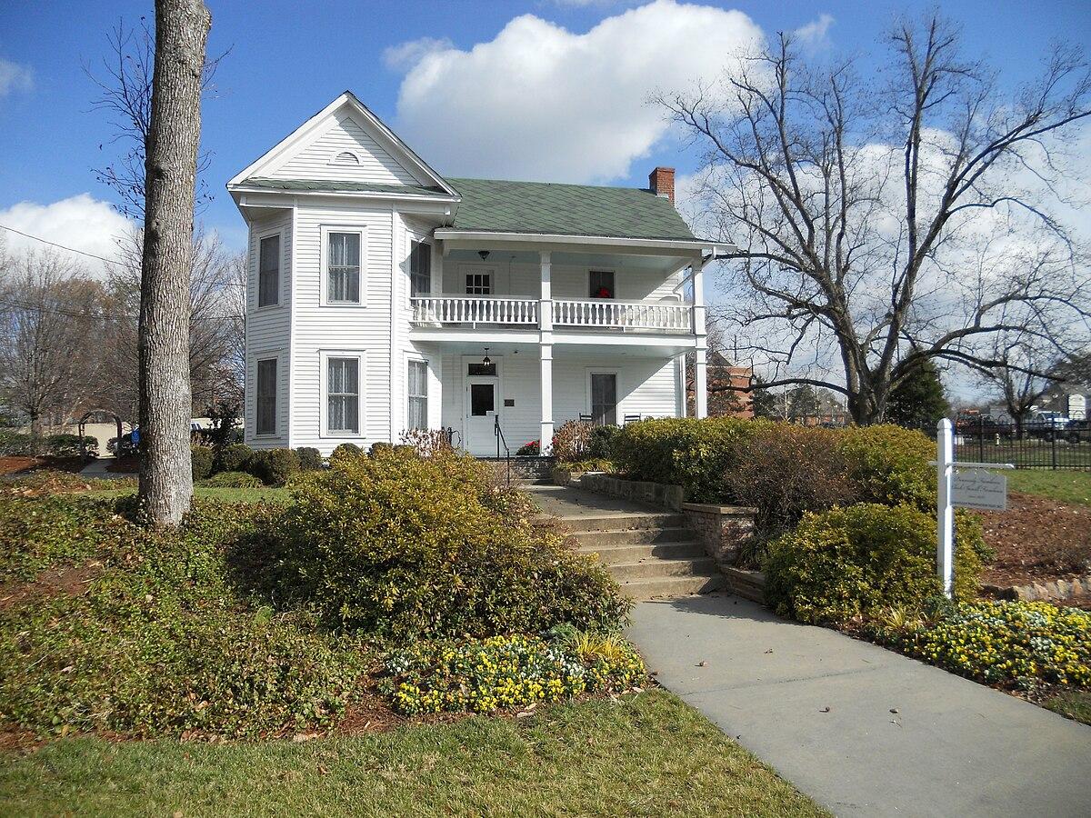 Dunwoody georgia wikipedia for Georgia farmhouse plans