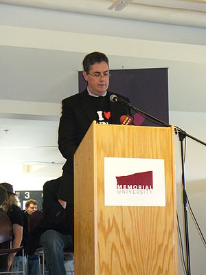 "Eddy Campbell - Campbell speaking at Memorial University of Newfoundland for the opening of ""I Love MUNdays"" in 2007."