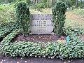 Ehrengrab Potsdamer Chaussee 75 (Niko) Anna Nemitz.jpg