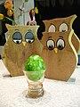Eierbecher Rosalin mit grünem Ei.jpg
