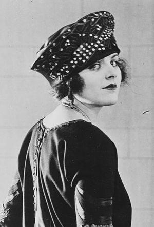 Elaine Hammerstein - Elaine Hammerstein, 1921