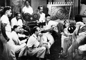 Ellis R. Dungan - Ellis R. Dungan directing M. K. Thyagaraja Bhagavathar and M. R. Santhanalakshmi in Ambikapathy (1937)